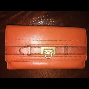 🧡 Salvatore Ferragamo Leather Wallet 🧡